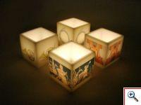 Caixas de parafina pequenas com motivos alusivos à colecção do museu